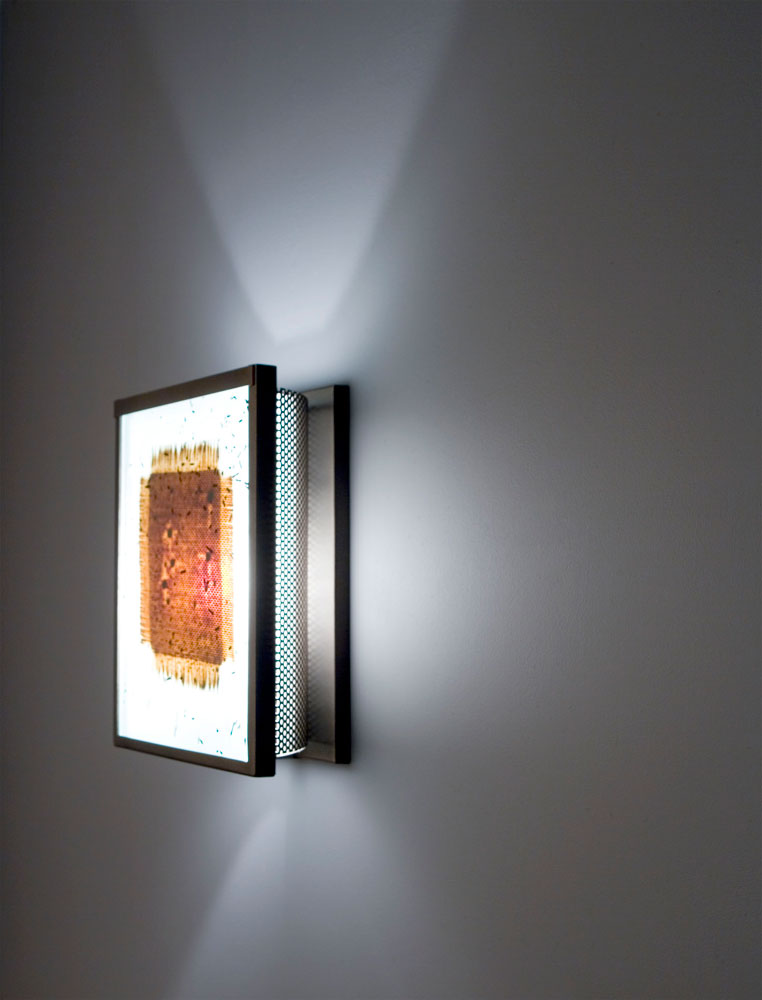 Shown in Bronze with Mesh and Bits glass selection and light diffuser.